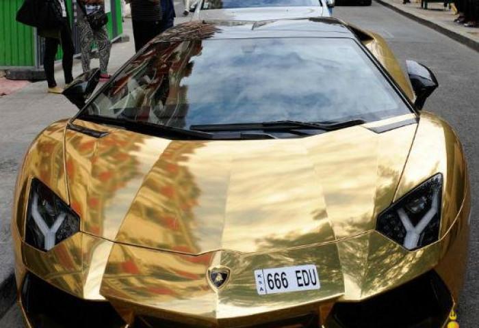 Тансагийн туйл - Алтадсан Lamborghini Aventador